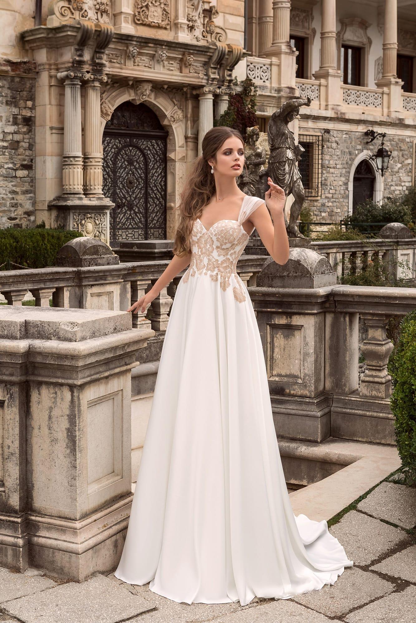 Свадебное платье утонченное