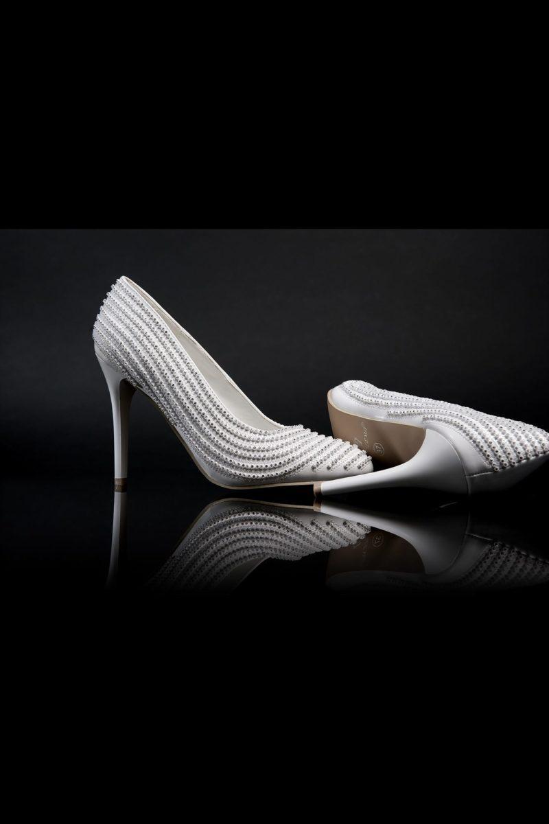 Роскошные туфли с фактурной прострочкой и стильным каблуком 12 см.