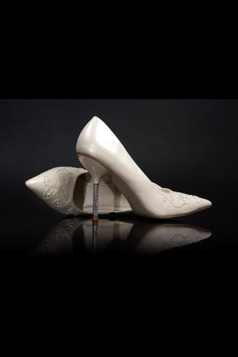 Кремовые свадебные туфли со сверкающими каблуками-шпильками 12 см.