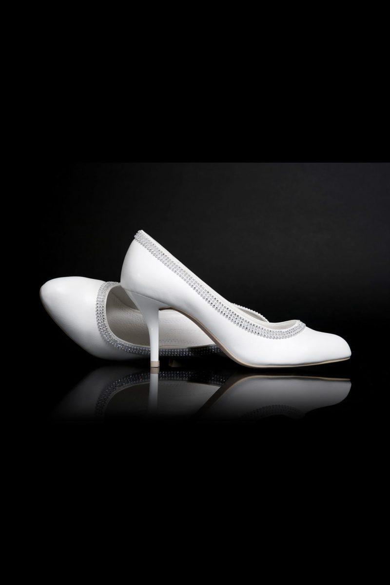 Стильные свадебные туфли с бисерной отделкой и каблуком 9 см.