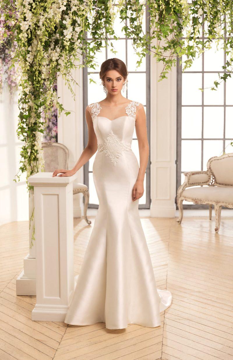 Атласное свадебное платье «рыбка» со шлейфом и прозрачной спинкой.