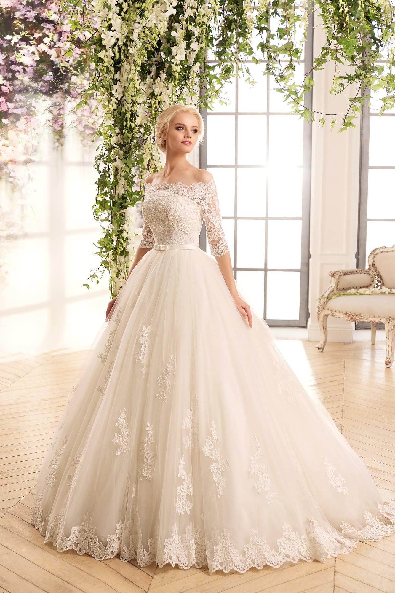 Платье кружевное пышное свадебное платье