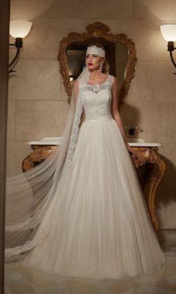 Свадебное платье силуэта «принцесса» с декором из оригинального кружева.