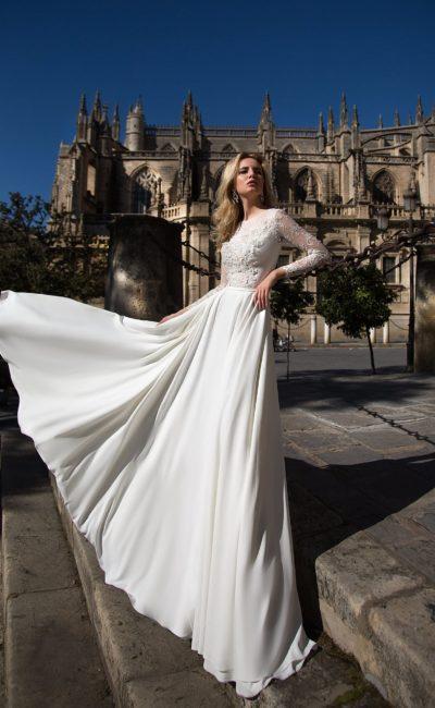 свадебное платье с лаконичной юбкой