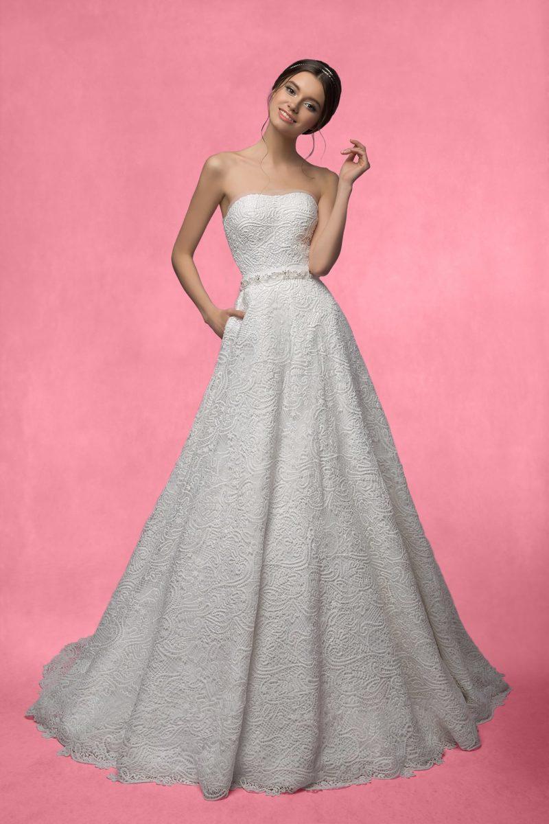 Фактурное свадебное платье