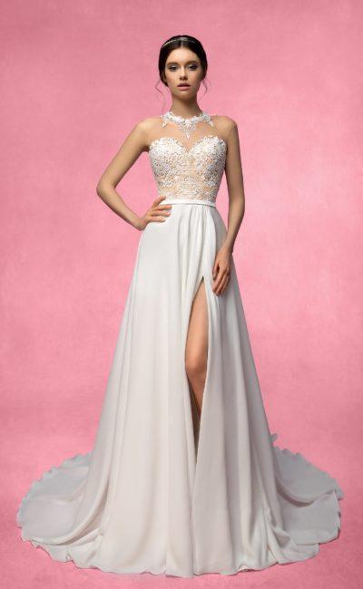 Платье с разрезом сбоку на юбке