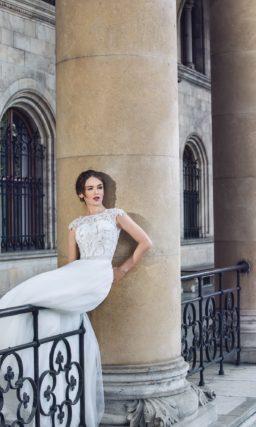 Сдержанное свадебное платье с кружевным верхом и элегантной юбкой «принцесса».