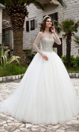 Свадебное платье в камнях