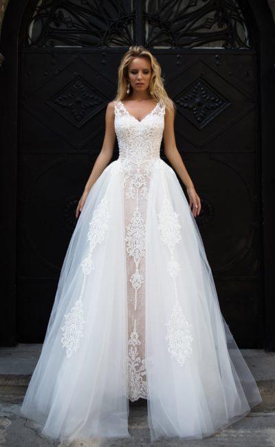 0cb46ed2417 Пышное красивое свадебное платье Evita