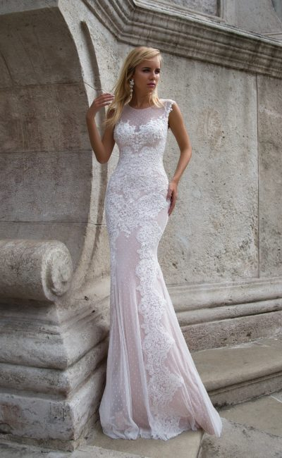 Розовое красивое платье русалка