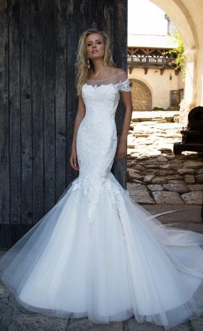Белое красивое платье русалка