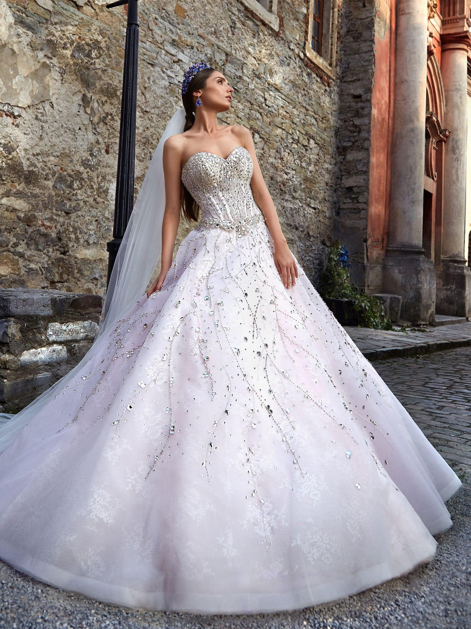 255a75b8505f6f9 ▷▷Пышное свадебное платье с серебристыми стразами на корсете. ❤ Более 10000  платьев!