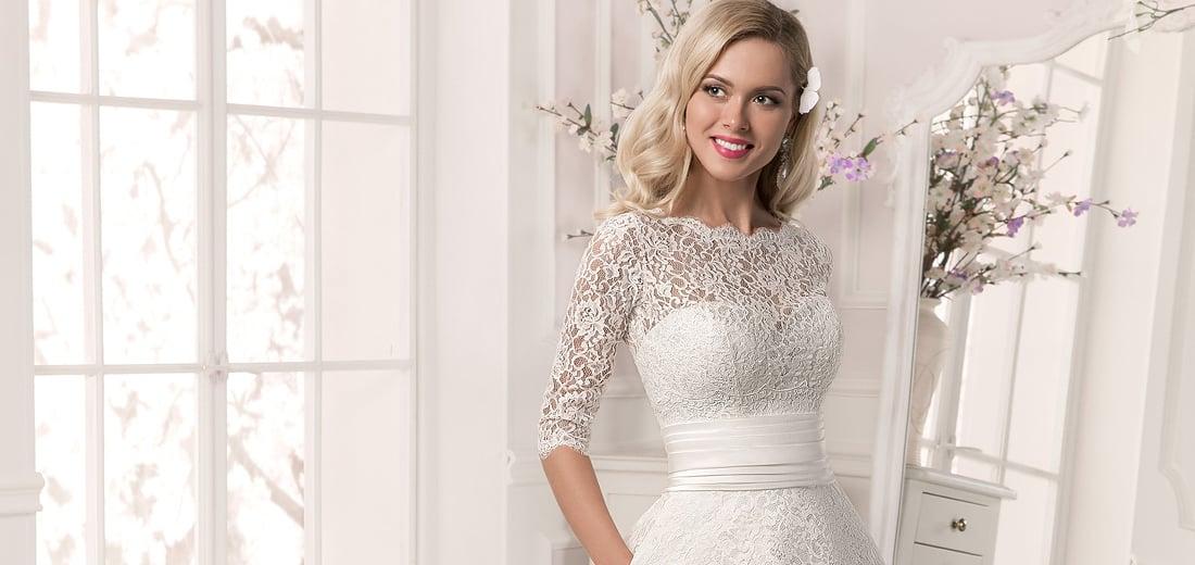 Свадебные платья с кружевным декольте