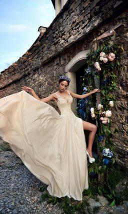 ▶▶Золотистое свадебное платье с шелковой юбкой прямого кроя. ❤ Более 10000 платьев! ❤ Скидки до 70%! ❤ Подарки невестам! ☎ +7 495 724 26 05 ▶▶ Свадебный центр Вега Ⓜ Петровско-Разумовская