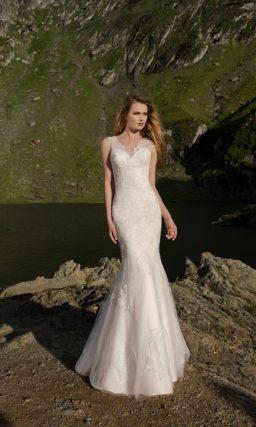 Великолепное свадебное платье с кружевным верхом и юбкой-трансформером.