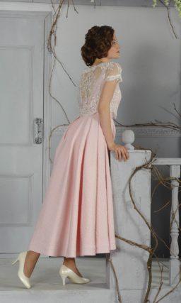 Нежное свадебное платье «принцесса» с юбкой чайной длины и дополнительным кружевным топом.