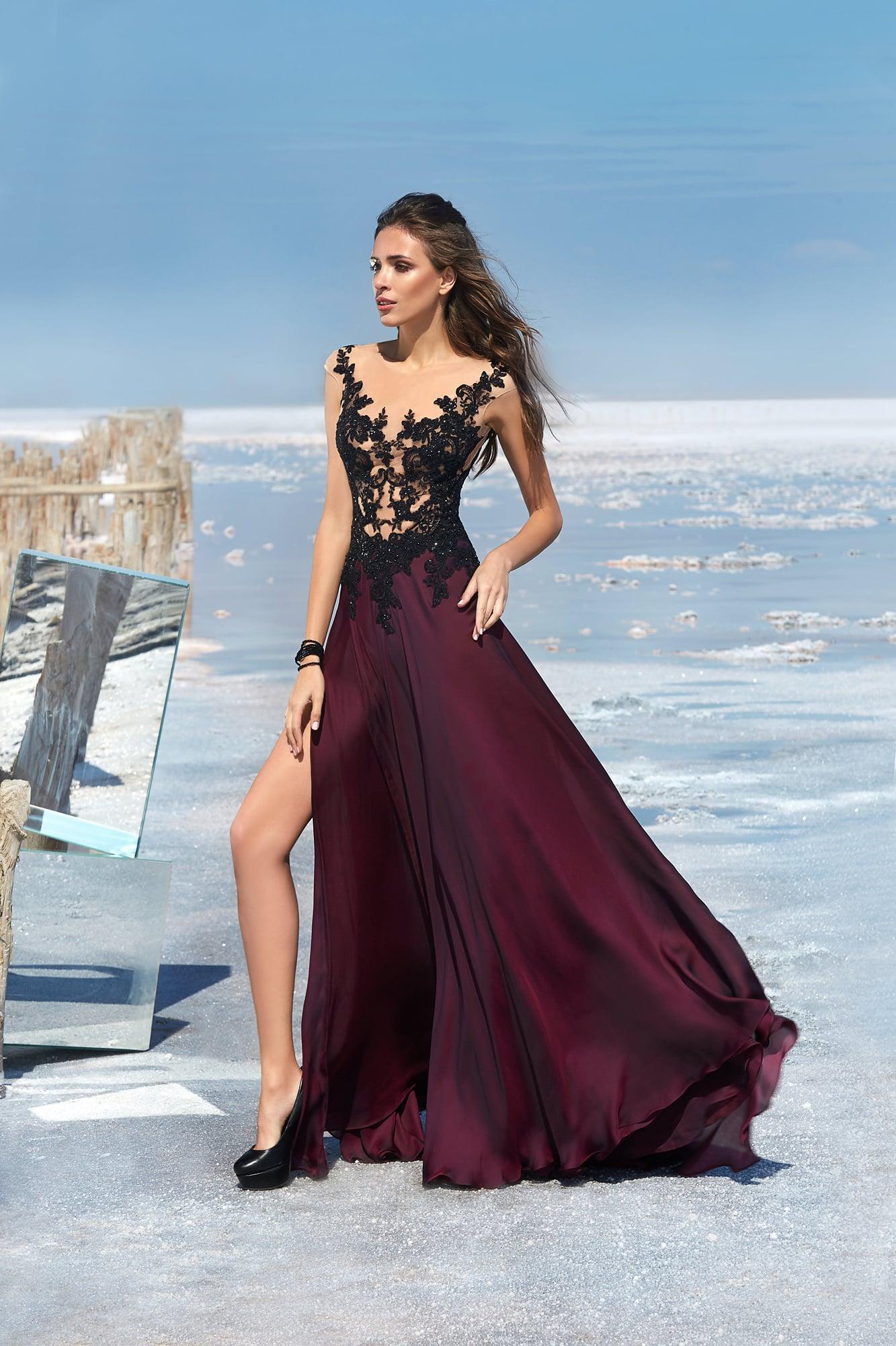 Выпускное платье бордового цвета