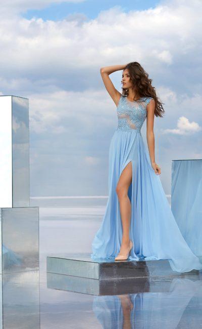 Летнее платье с разрезом