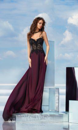 Эффектное вечернее платье с черным кружевным корсетом и юбкой винного оттенка.