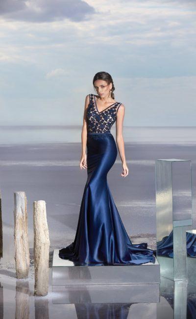 Блестящее синее платье