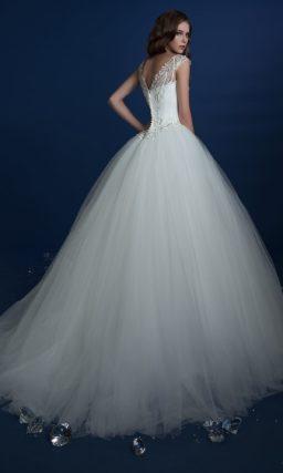 ▶▶Традиционное свадебное платье с облегающим корсетом, покрытым бисером. ❤ Более 10000 платьев! ❤ Скидки до 70%! ❤ Подарки невестам! ☎ +7 495 724 26 05 ▶▶ Свадебный центр Вега Ⓜ Петровско-Разумовская