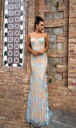 Стильное вечернее платье-трансформер с бежевой подкладкой и голубой атласной юбкой.