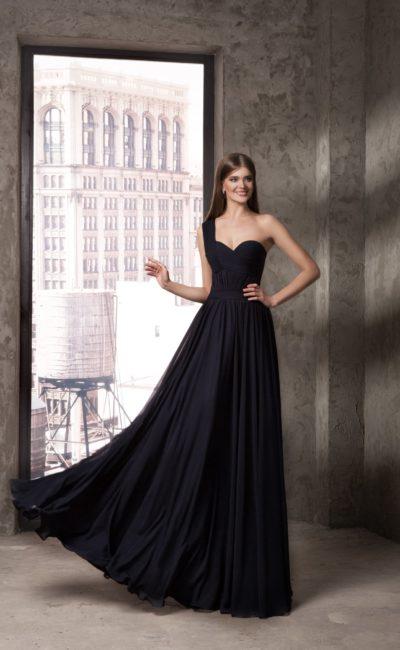 Чёрное платье на одно плечо