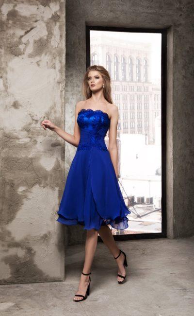 Короткое платье синего цвета
