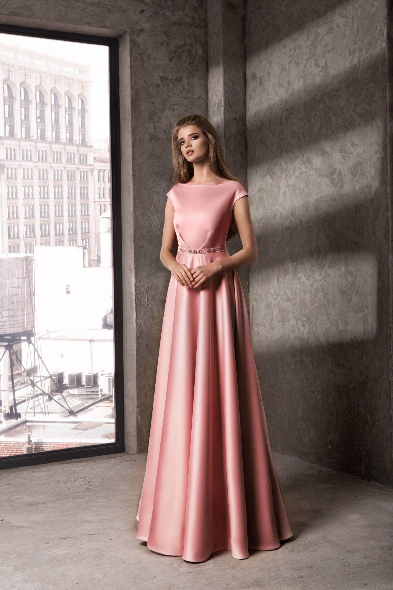 Розовое атласное платье купить в