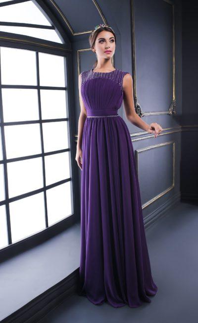 Фиолетовое вечернее платье с романтичной прямой юбкой и бисерным декором.