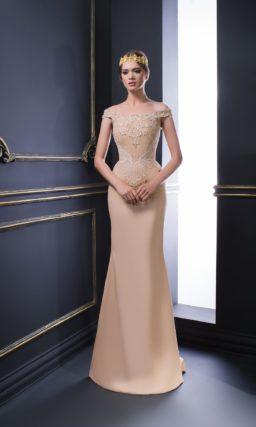 Бежевое вечернее платье с женственным кроем и нежной вышивкой на корсете.