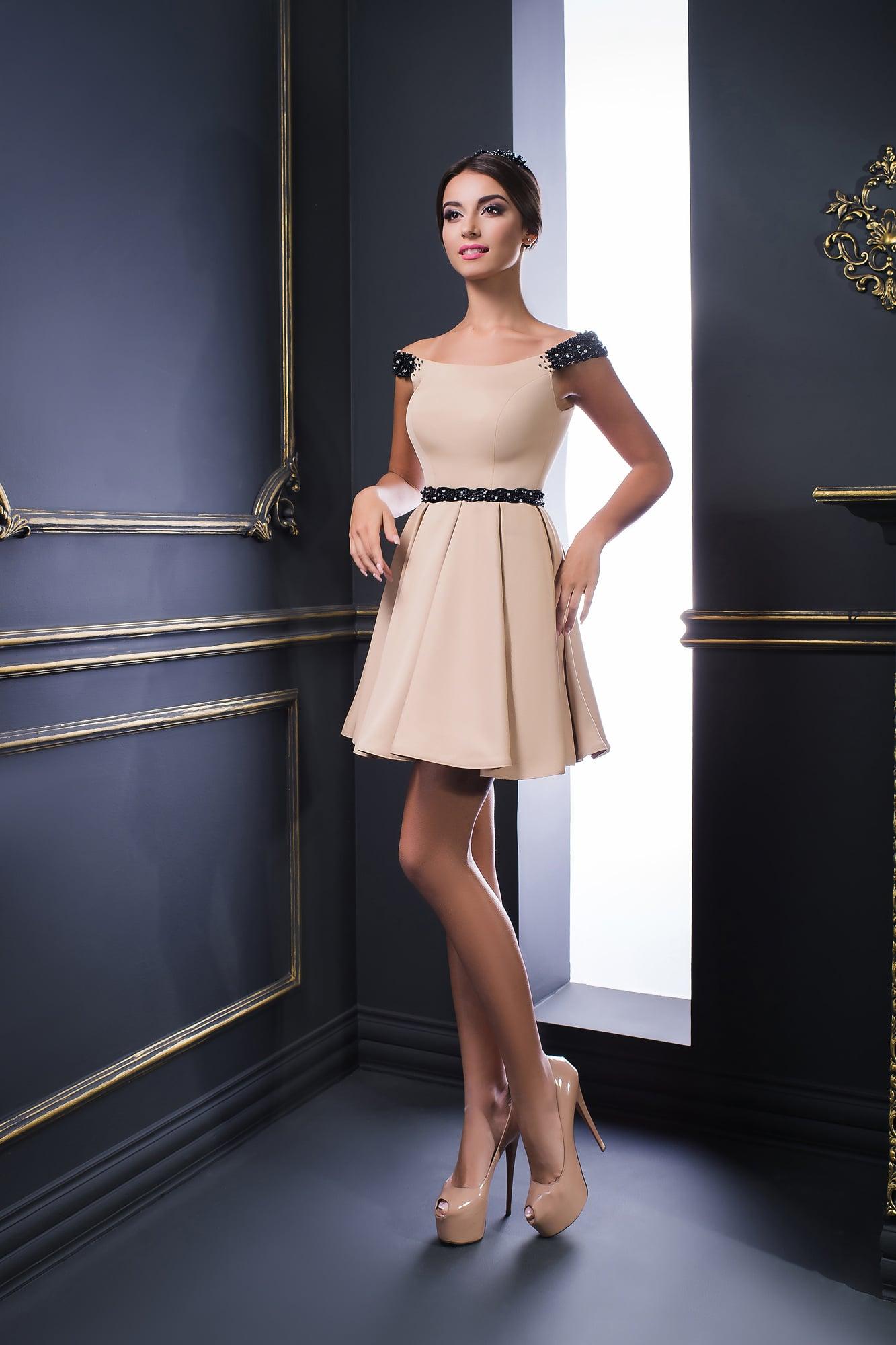 c017ddfecd7 Недорогое короткое платье V-054. Купить вечернее платье в салоне ...