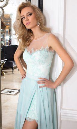 Короткое вечернее платье с белой подкладкой и отделкой нежным голубым кружевом.