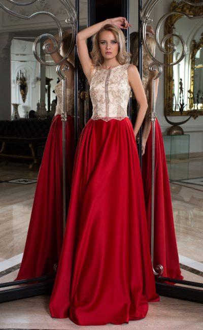 Красно-бежевое платье
