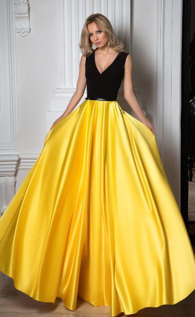 Красивое черно-желтое платье
