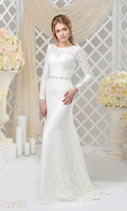 Закрытое свадебное платье облегающего кроя с длинным рукавом из кружева.