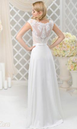 Утонченное свадебное платье с коротким рукавом и пудрово-бежевой подкладкой корсета.