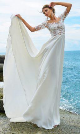 Женственное свадебное платье «принцесса» с объемными аппликациями по лифу.
