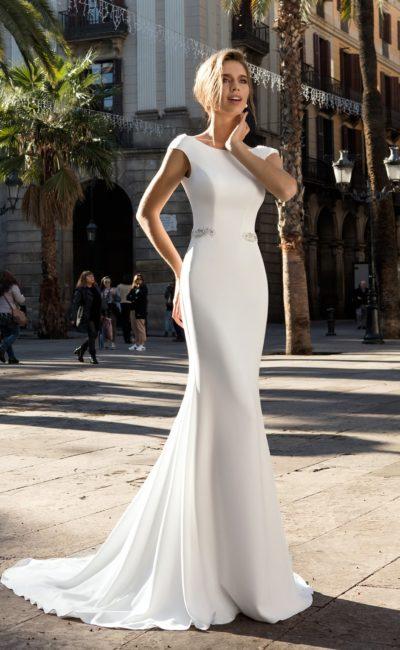 Атласное простое платье