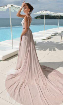 Платье дымчато-розового цвета