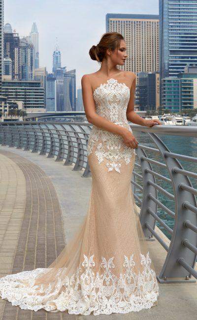 Платье с необычной формой верха
