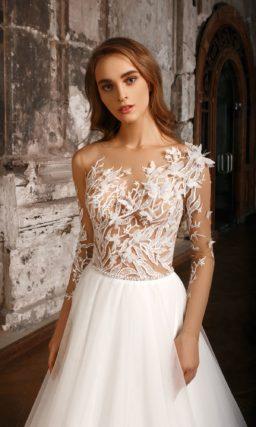 Необычное красивое свадебное платье