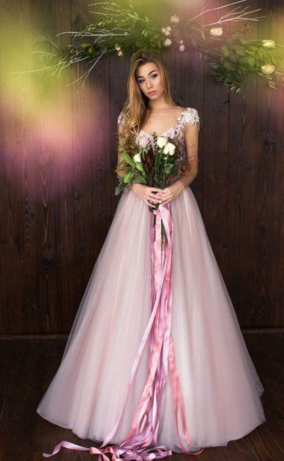 Платье в оттенках розового