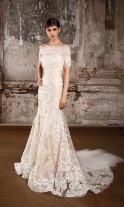 Изысканное свадебное платье русалка с подкладкой и белым кружевом.