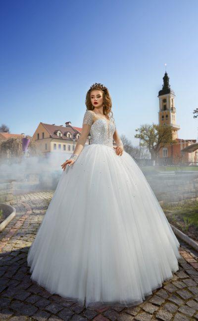 Пышное свадебное платье с пайетками