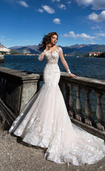 Красивое платье русалка с рукавом