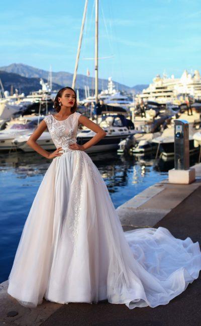 Пышное красивое свадебное платье