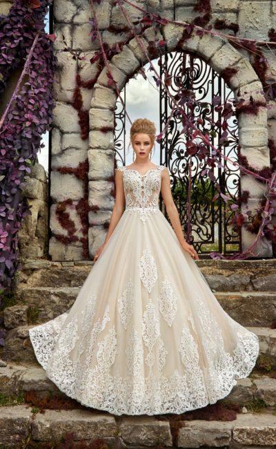 Кружевное классическое платье