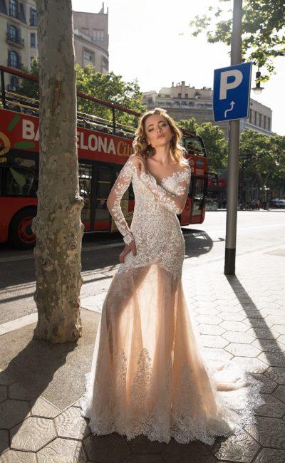 c5539323ffe Свадебное платье с рукавами из кружева Cervella