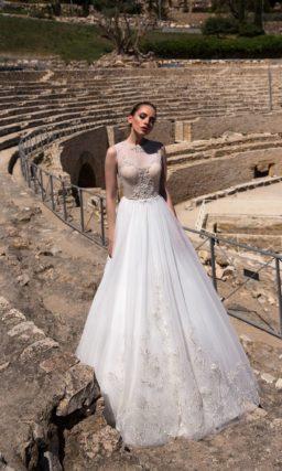 Стильное свадебное платье «принцесса» с розовым корсетом и нежной бисерной отделкой.